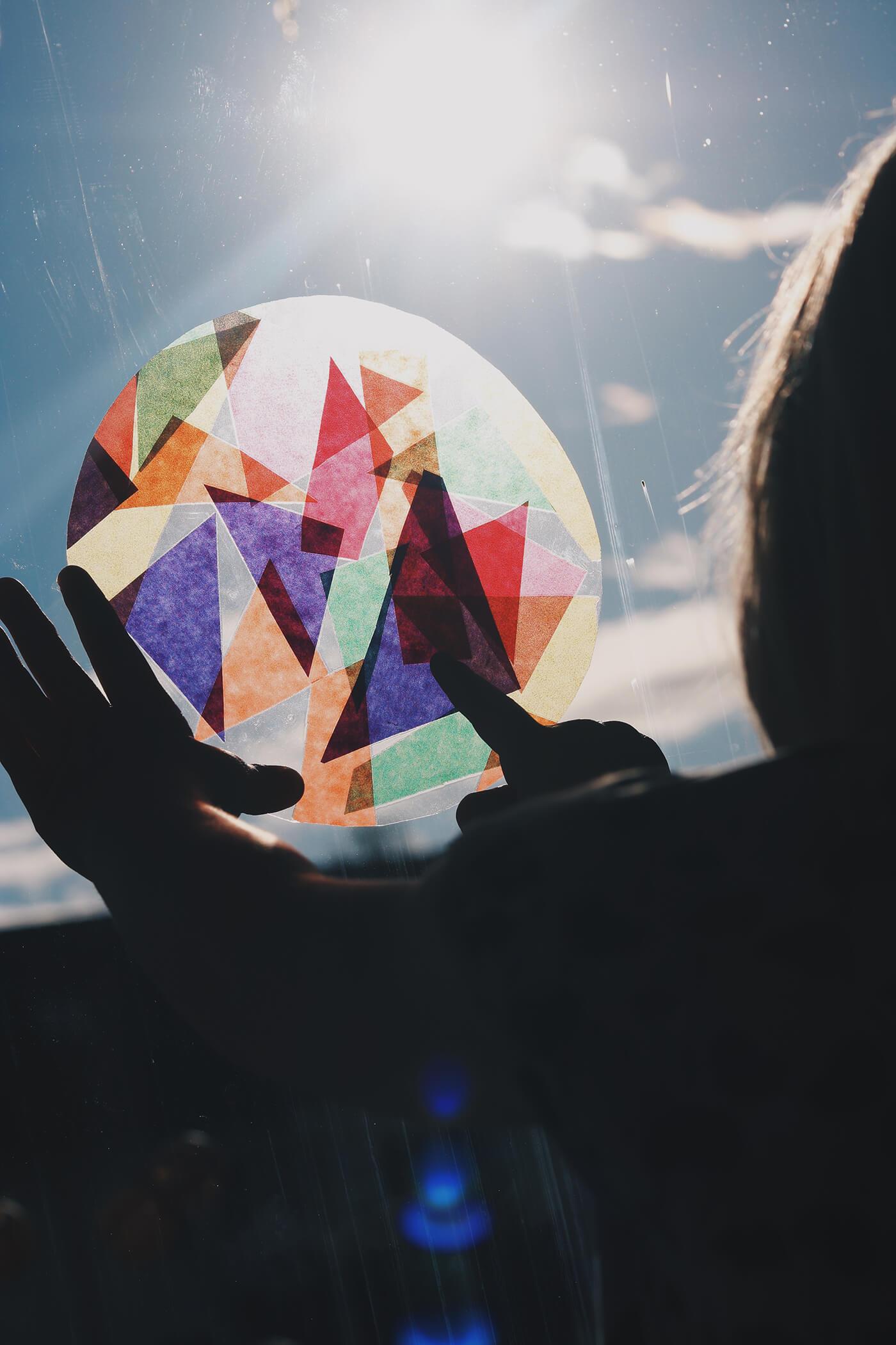 Diy Bunte Fensterbilder Aus Transparentpapier Einfach Laminiert