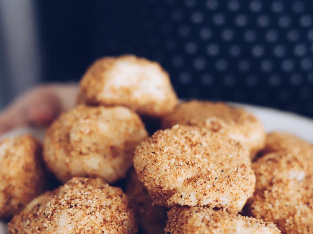 Joghurt Grieß Bällchen schneller Nachtisch Süßspeise für Feste