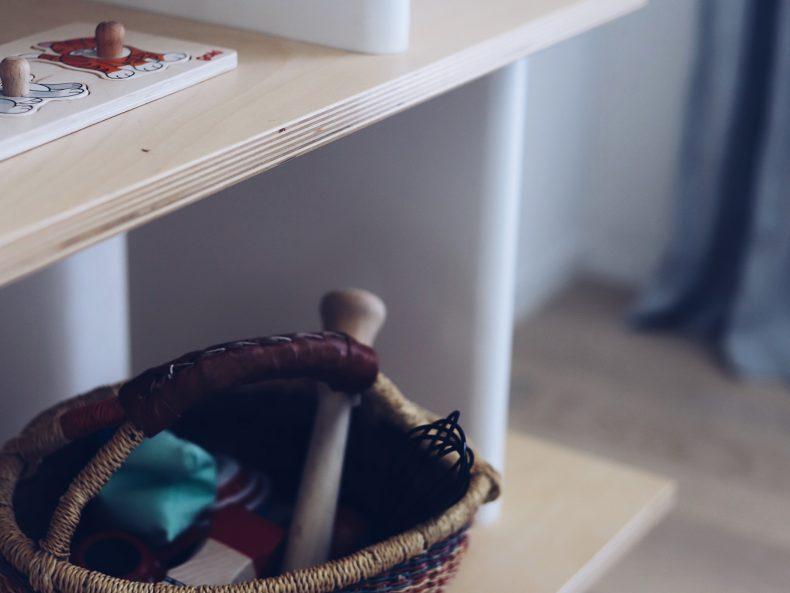Spielidee nach Montessori: Schatzkorb für Kleinkinder