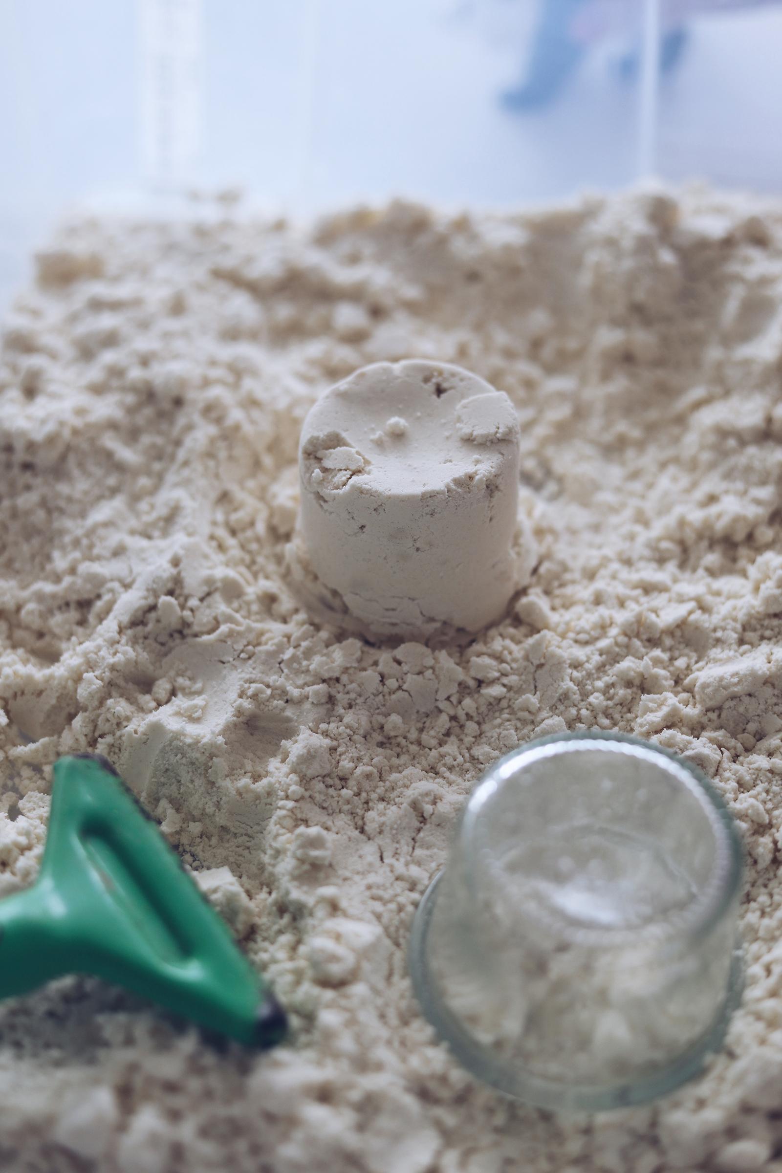 DIY Wölkchensand aus 2 Zutaten