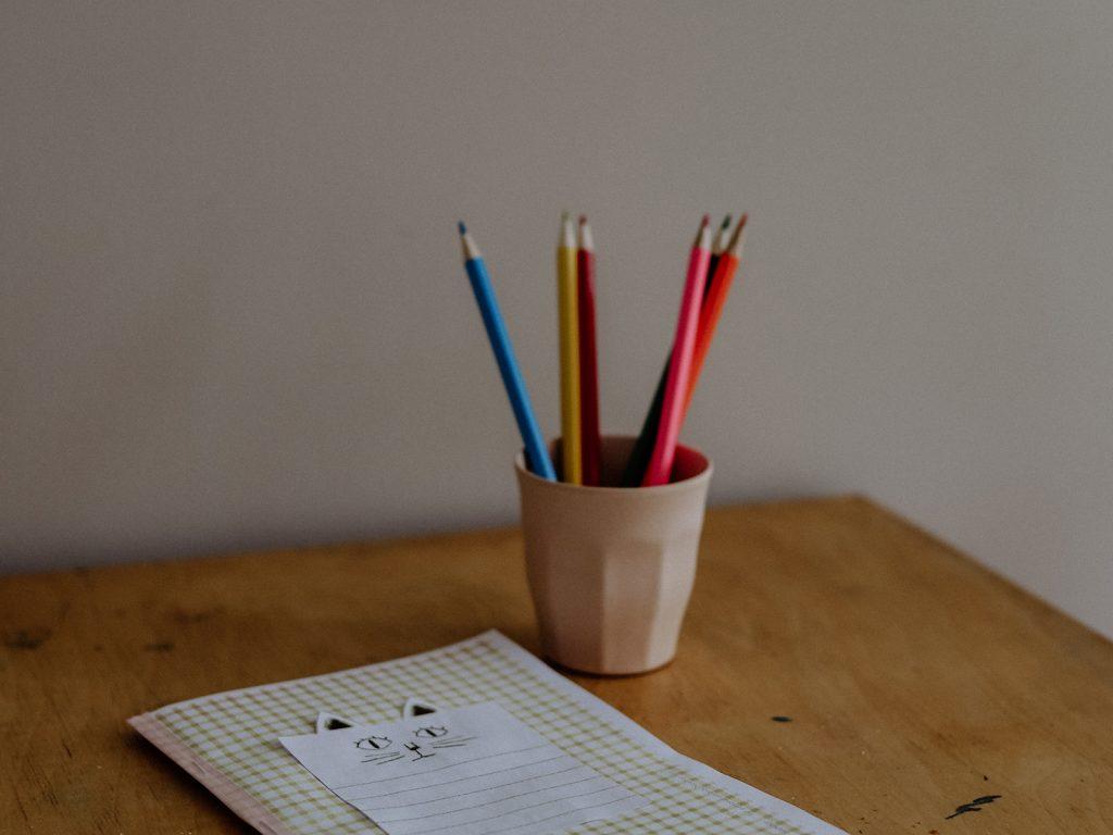 Spielerisch schreiben lernen: Mein kleines Geschichtenbuch kostenlos ausdrucken