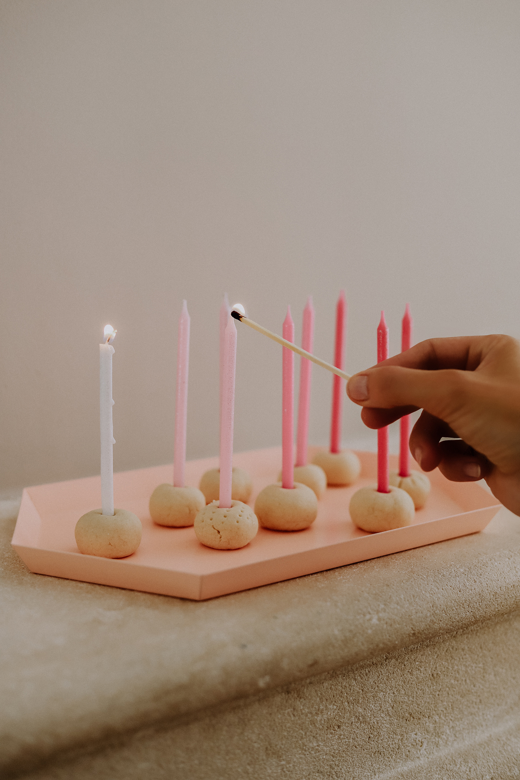 Minimalistische DIY Kerzenständer in 5 Minuten selbst gemacht