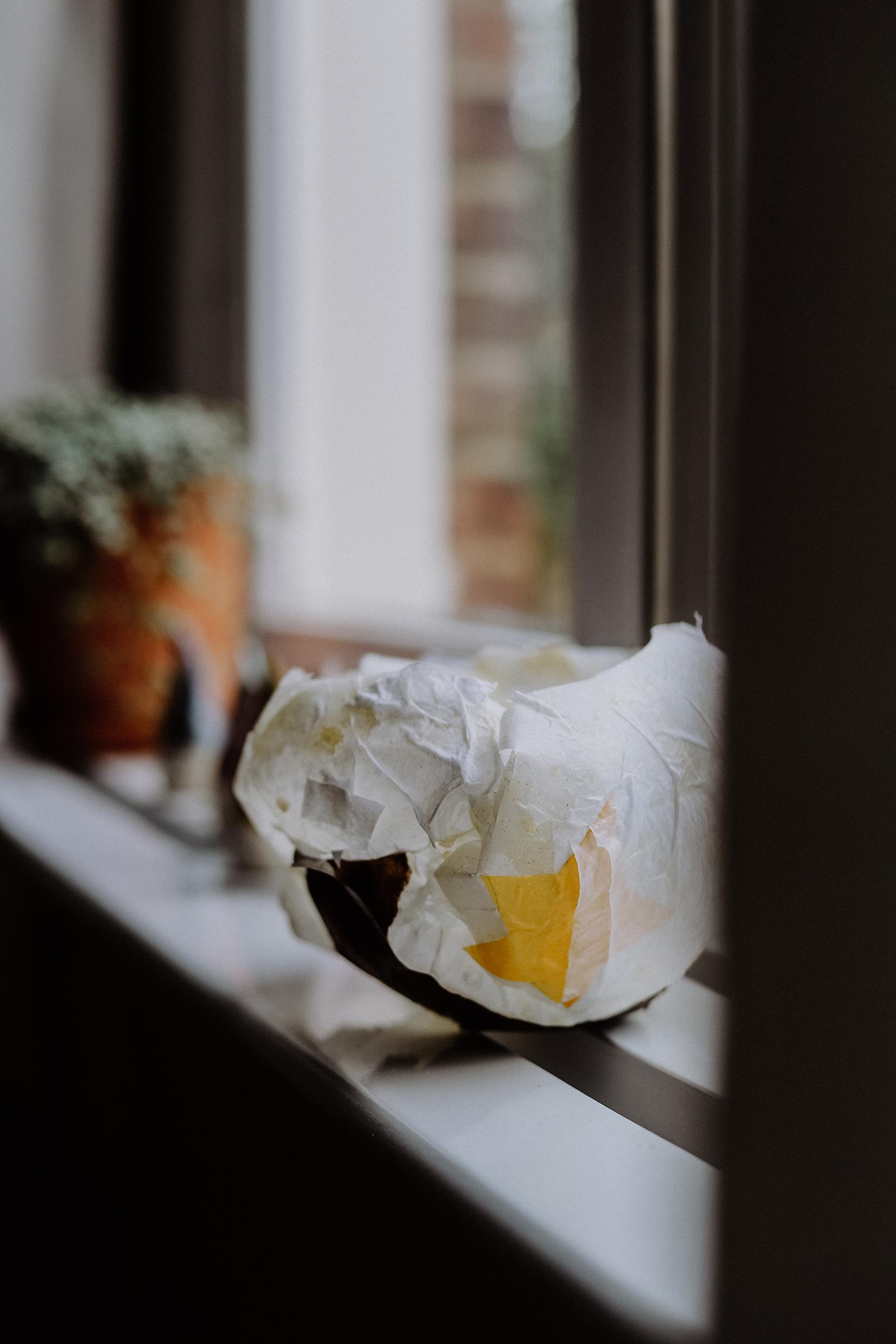 Basteln im Herbst: Papierlaternen und Kleber einfach selbst machen