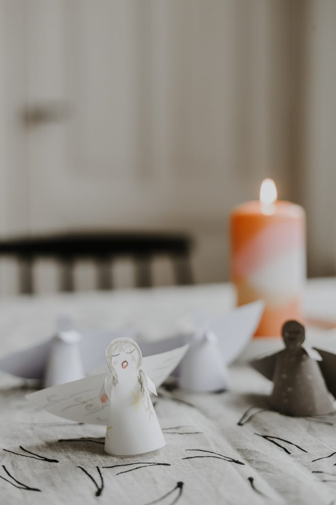 Basteln in der Weihnachtszeit: Einfach schöne Engel aus Papier