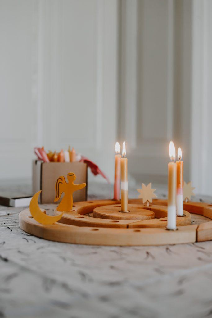 Adventsspirale von Grimms: Nachhaltiger Adventskalender aus Holz