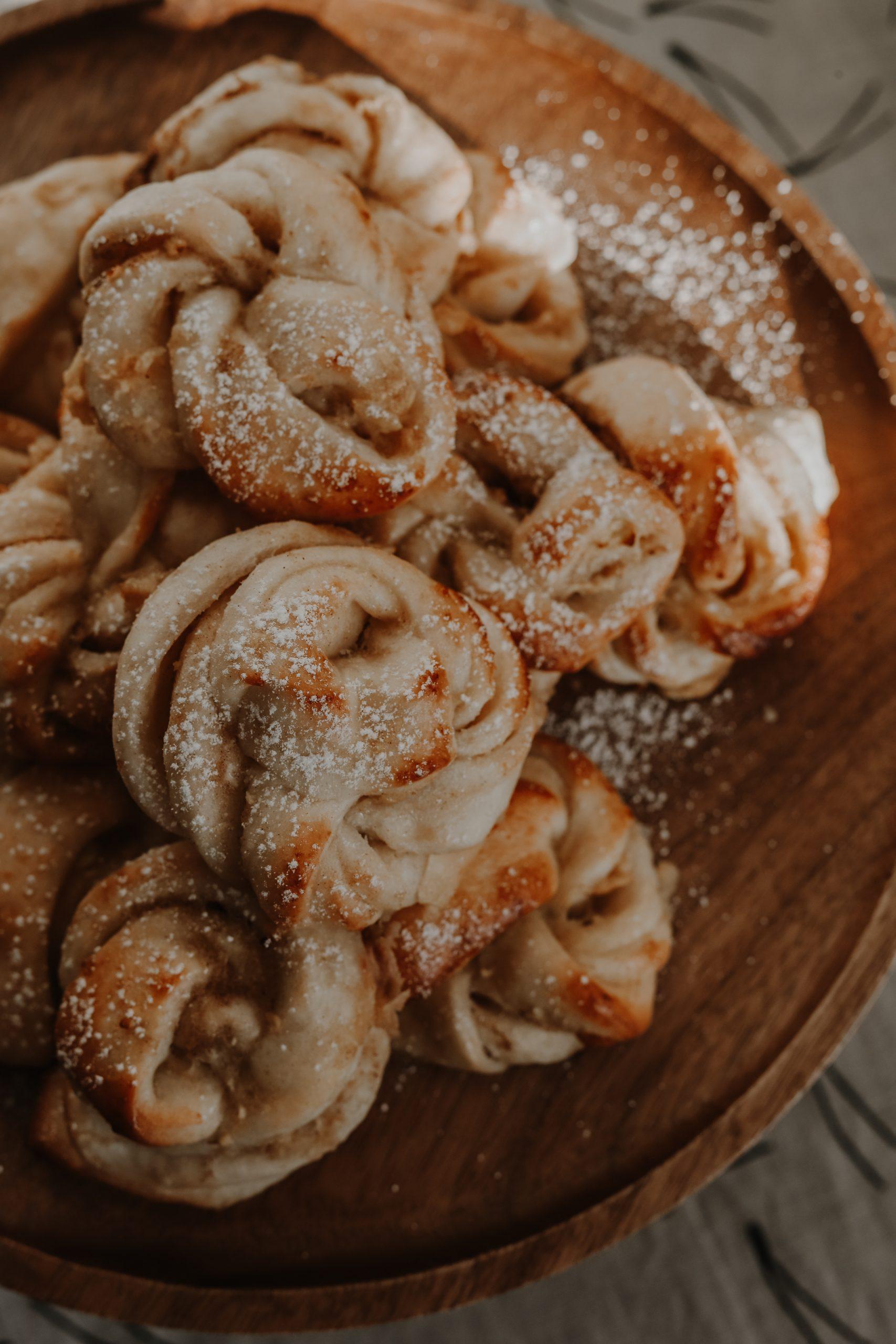 Apfel-Zimt-Schnecken ohne raffinierten Zucker