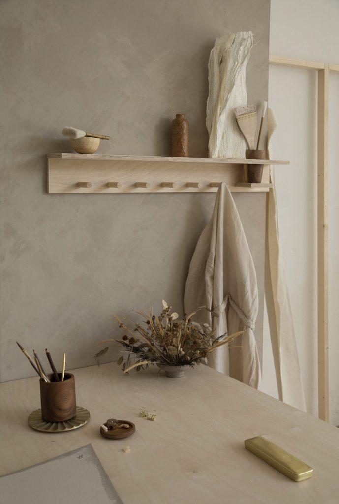 Minimalistische Holzmöbel