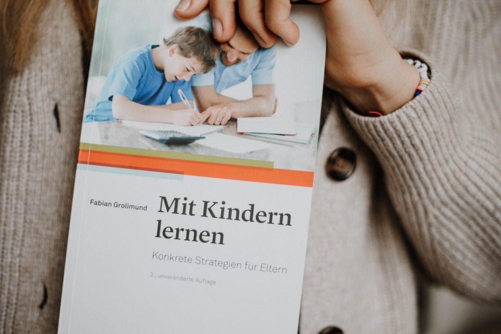 """""""Mit Kindern lernen"""" - Hilfe zur Selbsthilfe für schulgestresste Eltern"""